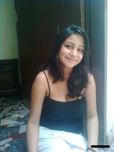 Jaipur call girls are happy to show their nude body